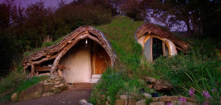 visite de la maison de hobbit de simon dale. Black Bedroom Furniture Sets. Home Design Ideas