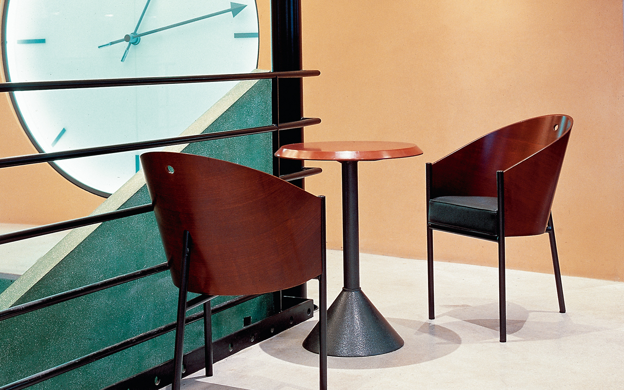 cafe costes philippe starck table de lit. Black Bedroom Furniture Sets. Home Design Ideas