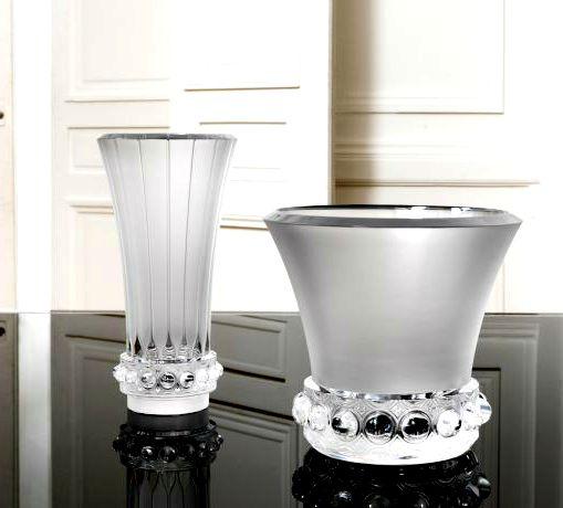 Sortez vos plus belles pièces maîtresses en cristal pour dresser votre table lors des grandes occasions.