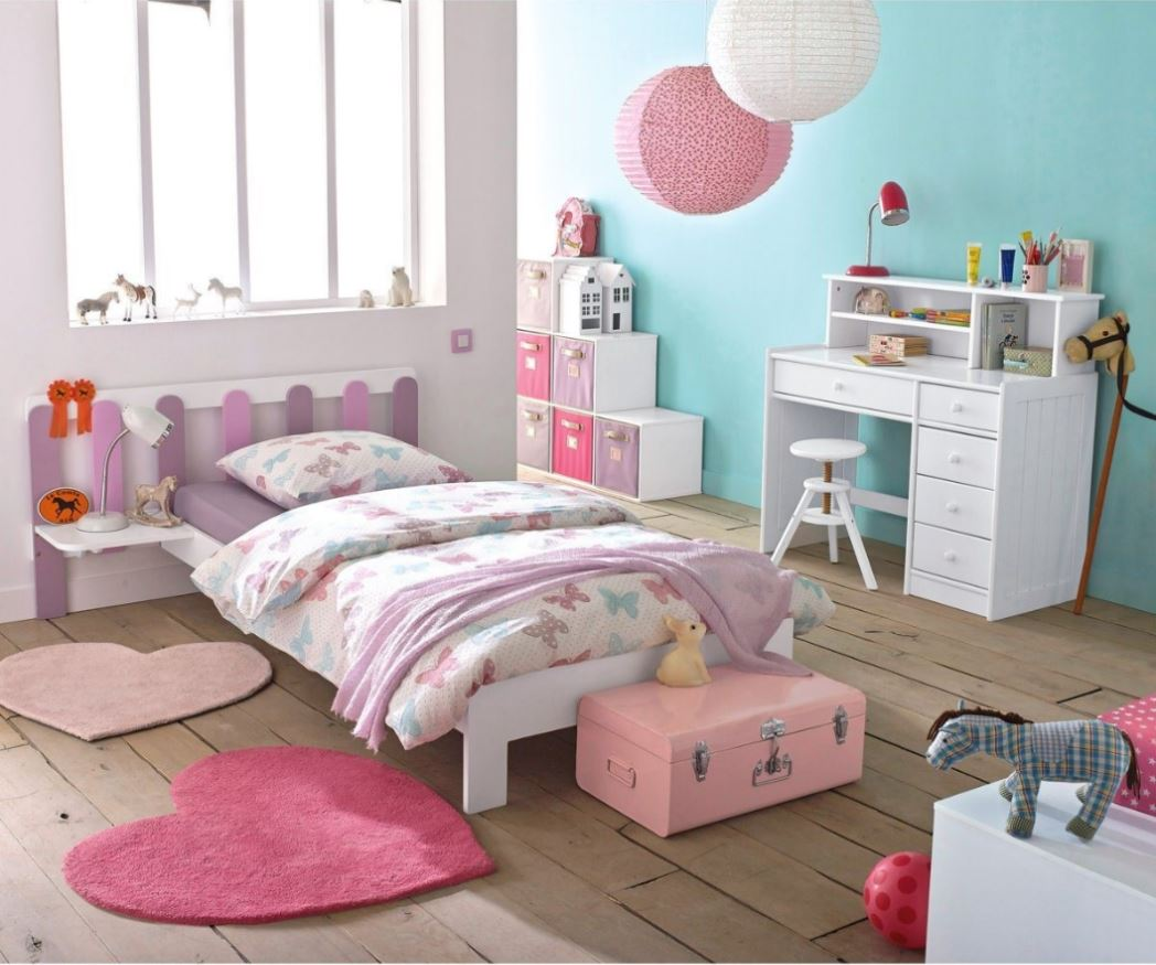 Lanterne papier chambre fille for Idee decoration chambre fille