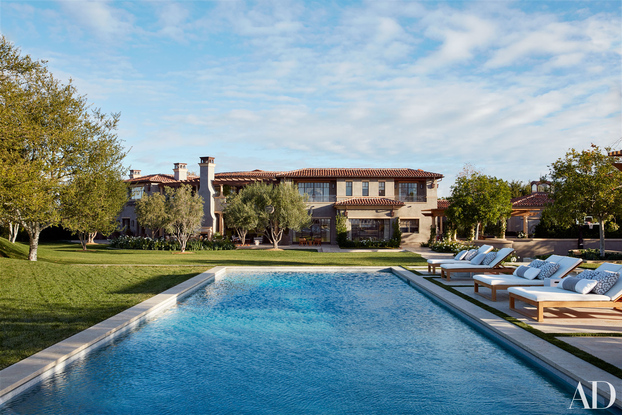 Visite priv e la maison de kourtney kardashian for New pool designs 2016