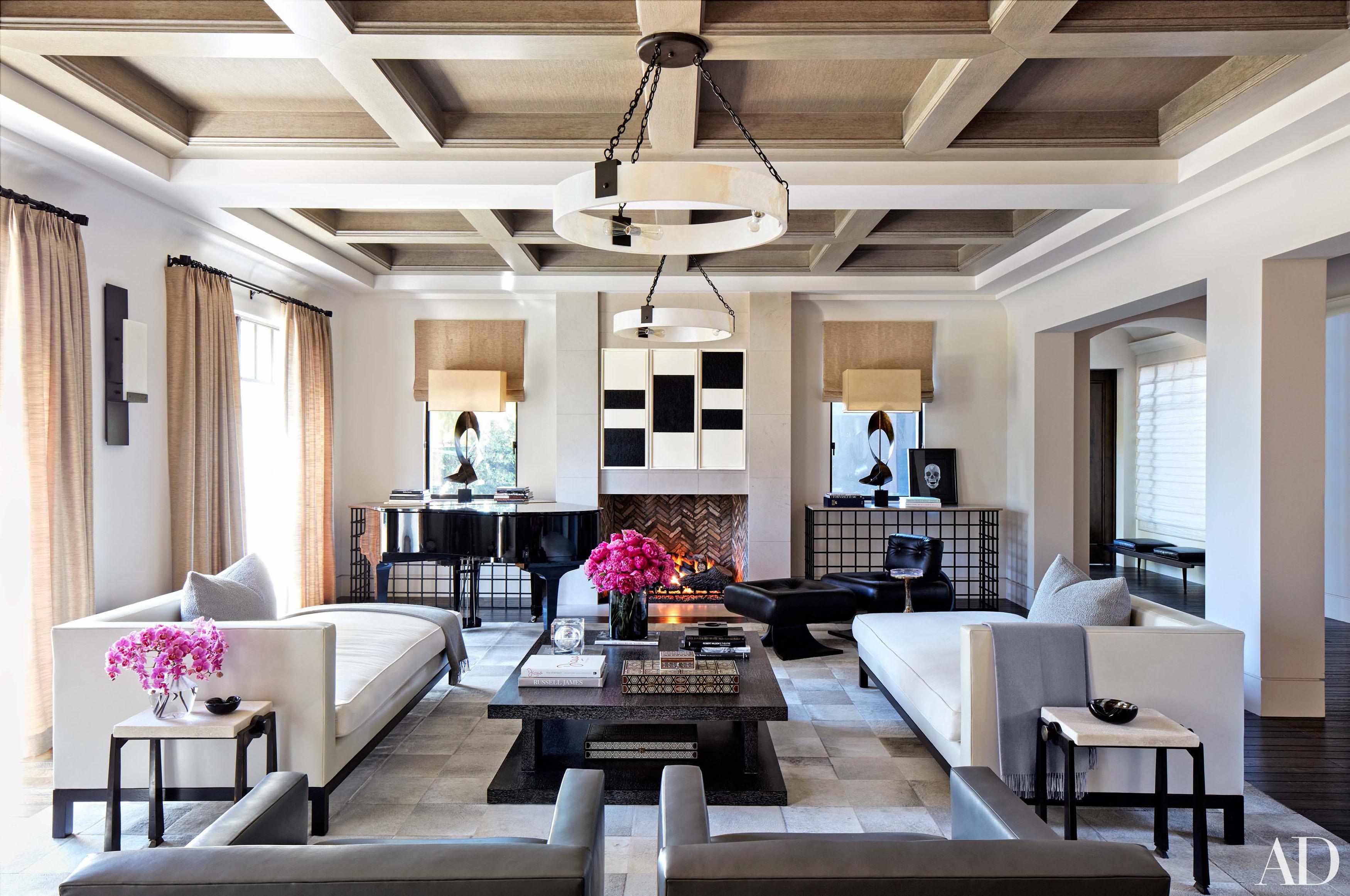 Visite privée  la maison de Kourtney Kardashian à Calbasas