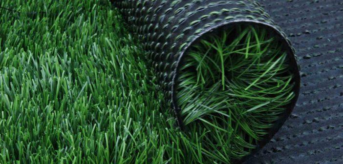Le gazon synthétique, un bon choix pour son jardin ?