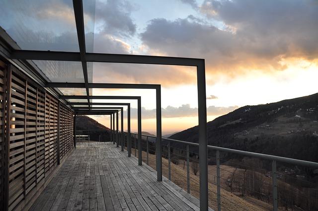 Store De Terrasse : Comprendre Les Différences De Prix Pour Mieux Choisir