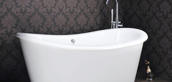 Une baignoire sabot pour une salle de bain accessible et sécuritaire
