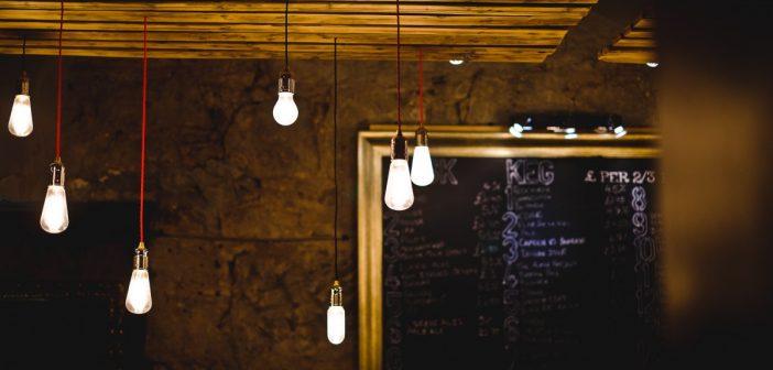 Un spot LED GU10 pour l'éclairage des pièces à vivre